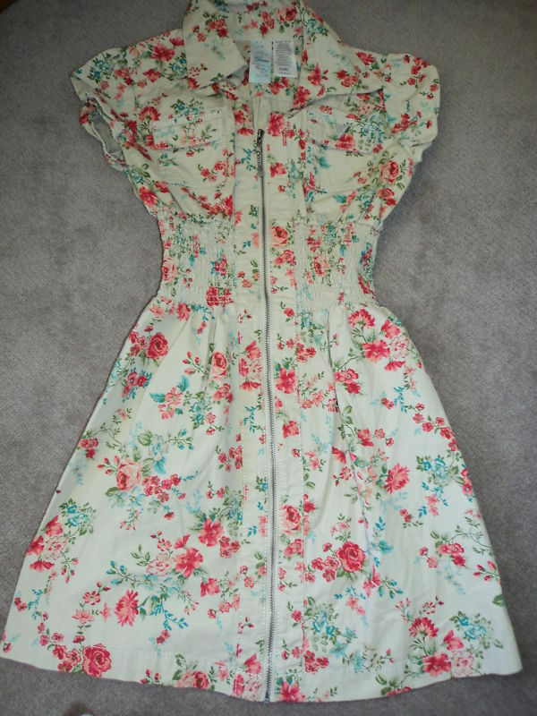 SLAE  GUESS Floral Zip Up Front Dress  MADE IN LOS ANGELES