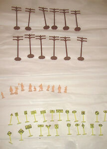 LOT HO Vintage Toy Train Model Railroad Parts SIGNS TELEPHONE POLES PEOPLE 46pcs