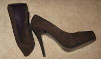 Mixx Shuz Shoes Brown Womens Sz. 9 Heels