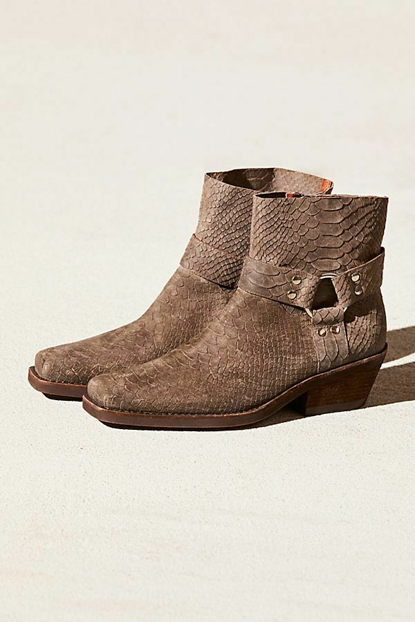 NEW Free People Fairfax Western Boot Size 10 MSRP   178 Distressed Suede