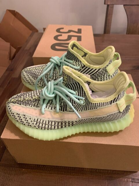 100% Authentic DS FW5191 KANYE WEST
