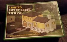 BACHMAN HO SCALE LIGHTED SPLIT LEVEL HOUSE NIB #492572