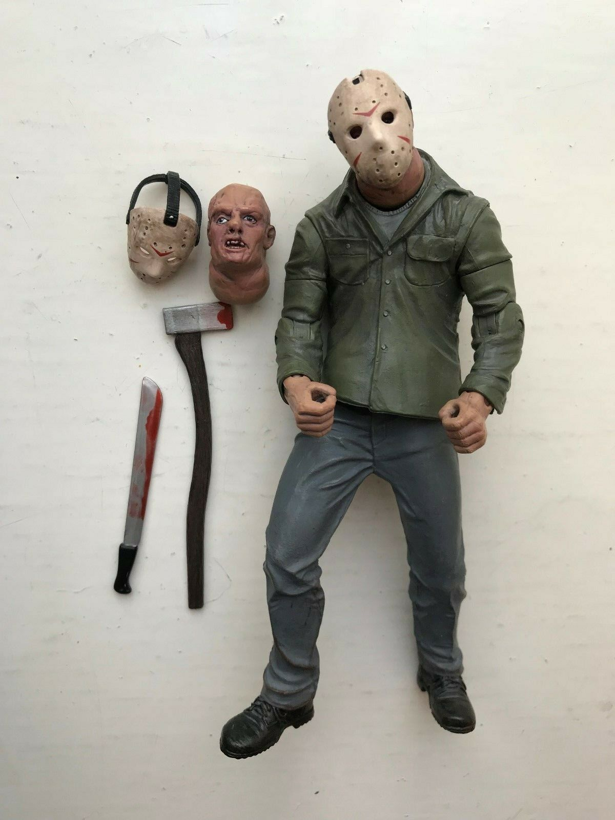 MEZCO Cinema of fear  Series 3 Friday the 13TH Part 4 Jason Voorhees Figure  prix de gros