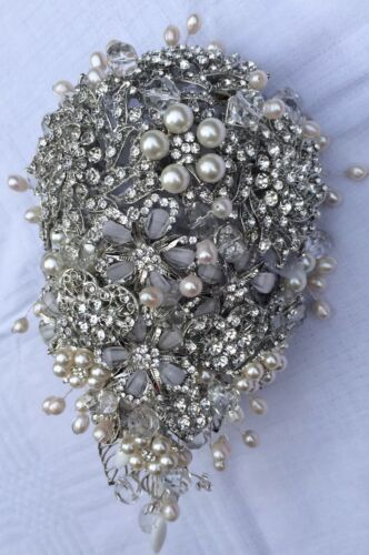 ️Bridal Brooch Pearl Wedding Bouquet Shower Sparkling Crystals Plus Buttonhole