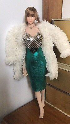 """1:6 Abiti Figura Accessorio Argento cappotto e vestito verde Set di 12/"""" figura donna"""