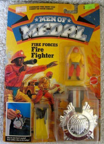 1988 Mattel Vintage Men of Medal FIRE FORCES FIRE FIGHTER Action Figure badge