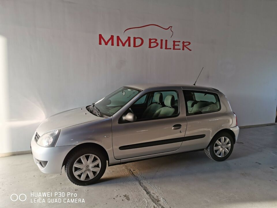 Renault Clio II 1,2 8V Authenique Benzin modelår 2006 km