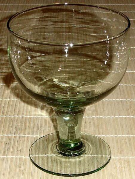 1x Großes Pokalglas Berliner Kindl Weisse Pokal Grün Recycling Glass Hand Made Weich Und Leicht
