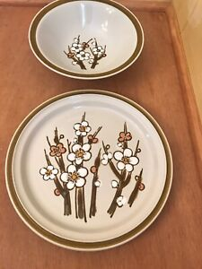 Vintage-Acsons-Stone-Ware-Classique-Serving-Plate-and-Bowl-Mid-Century-MCM