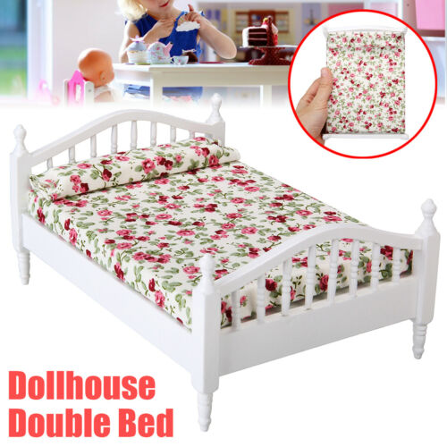 Dollhouse Miniature Bedroom Furniture Wooden Floral Double Bed For 1:12 Model