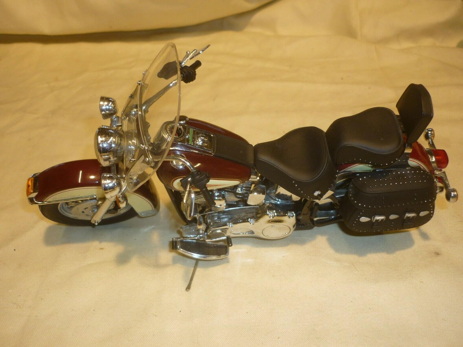 A Franklin mint of a scale model of a 1989 Harley Davidson Heritage Softail
