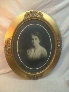 Vtg Oval Wood Chalk Victorian Convex Frame Haunting Woman Portrait