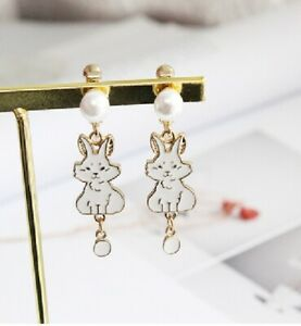 E1115-Betsey-Johnson-Wonderland-Easter-Dangling-Rabbit-Bunny-Pearl-Earrings-UK