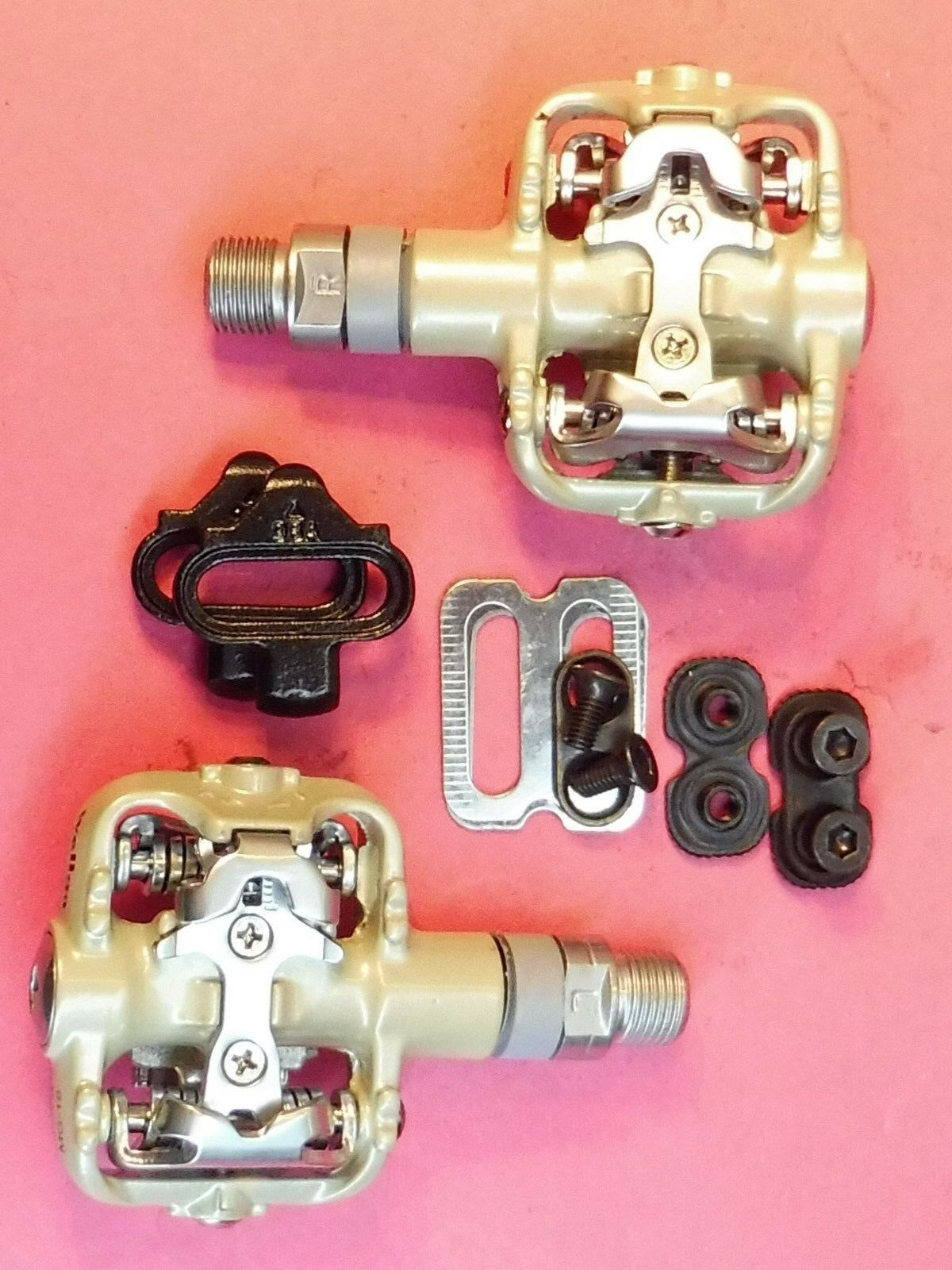 Wellgo  MG 18  MTB (SPD type ) bicycle pedals - NOS