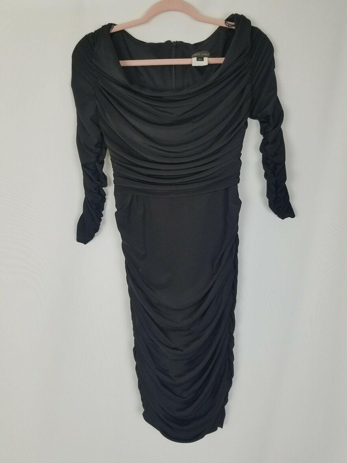 Tadashi Shoji Damen XS Seitliche Rüschen und Ärmel 3 4 Enganliegendes Kleid