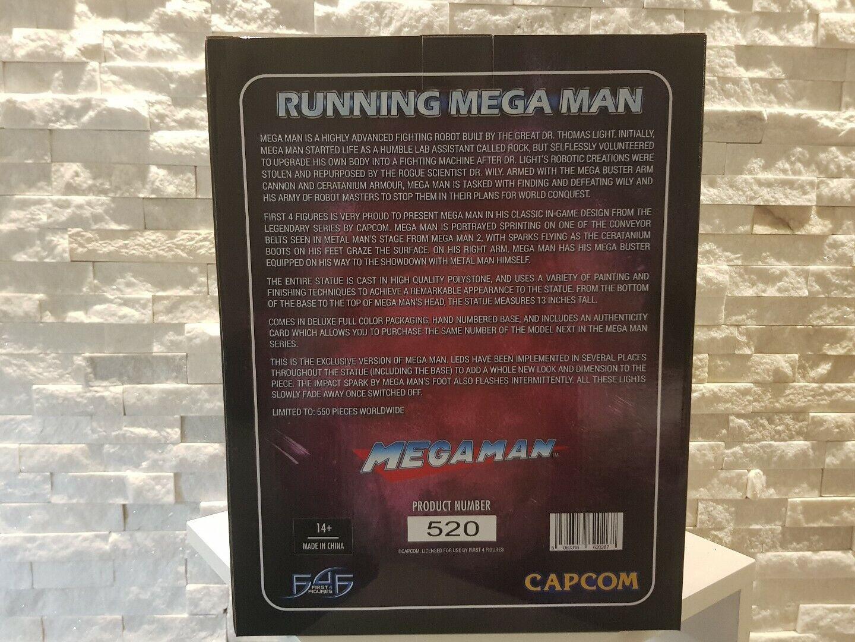 Running Mega Mega Mega Man EXCLUSIVE First 4 Figures NEW fb4de1