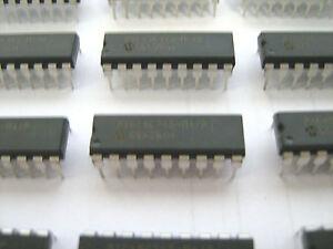 PIC16C710-04//P PIC16C710 Dip Package 18 Pin Microcontroller 512b OTP 4MHz
