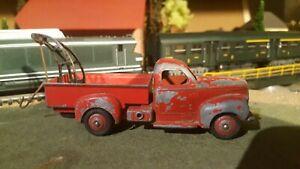 Dinky-Toys-jouet-ancien-depanneuse-vehicule-miniatures