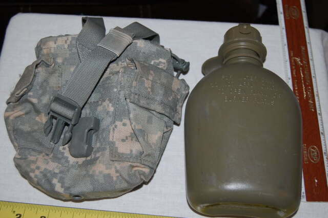Molle US Army Digital Storage 1QT Canteen General Purpose MRE Pouch ACU NEW
