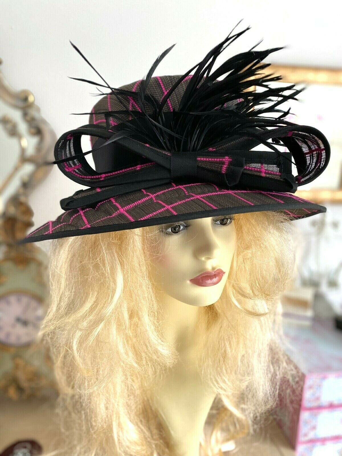 BLACK CERISE PINK HAT FEATHERS check
