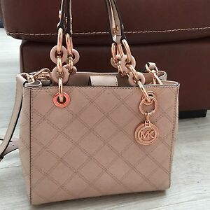 0951e3ebb8b Image is loading Michael-Kors-Cynthia-small-Saffiano-Leather-Satchel -Quilted-