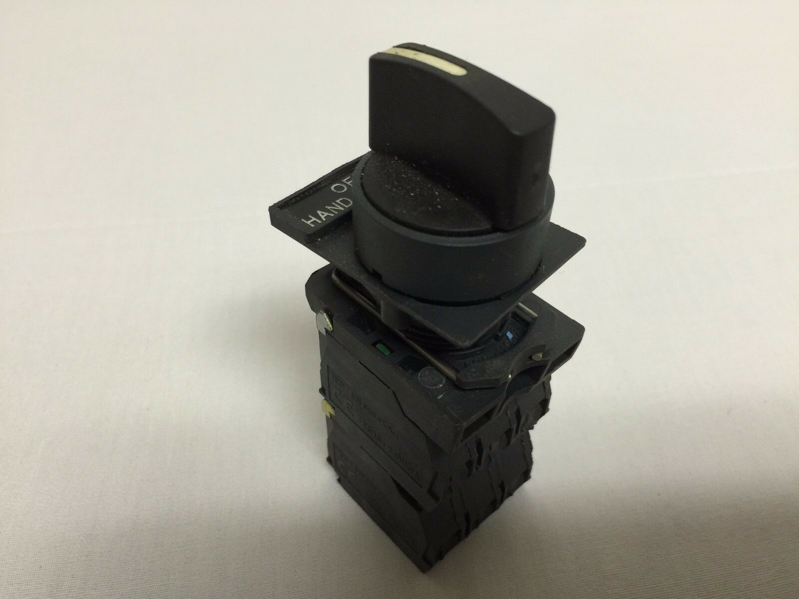 Size: 22Mm Contact Block Schneider Electric Zbe-101 1 N.O 3A Zbe-101