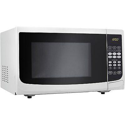 New Danby 700 Watts  0.7 cu.ft. 10 power Countertop Microwave- White