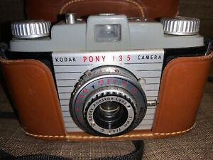 Vintage-Kodak-Pony-Camera-with-Camera-Case