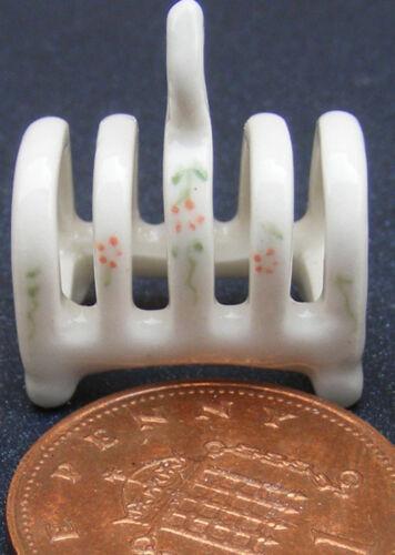 1:12 Scale Red /& Cream Ceramic Toast Rack Tumdee Dolls House Accessory CRR17