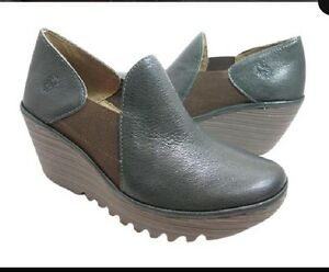NWOB-Fly-London-Yua-Platform-Dark-Green-Wedges-Sz-39-12