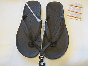 63c8798772e Crocs chawaii flip relaxed fit M10 W12 flip flops sandals thong navy ...