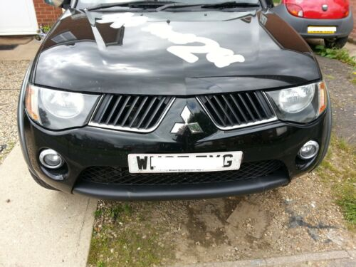 MITSUBISHI L200 2.5 B40 DiD 06 on NEW SHAPE RADIATOR GRILLE BLACK /& CHROME R//H