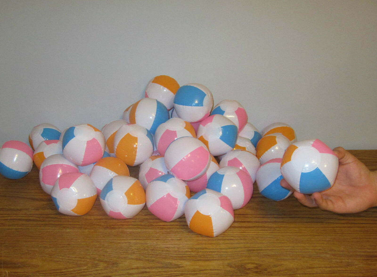 100 NEW NEW NEW MULTI colorD MINI BEACH BALLS 5  INFLATABLE POOL BEACHBALL PARTY FAVORS 941ae8