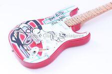 RGM34 Pink Floyd The Wall Miniature Guitar