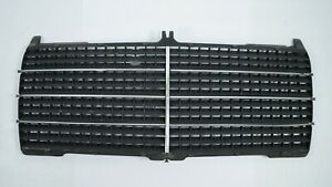 Mercedes-Benz-W124-Front-Grille-No-Frame