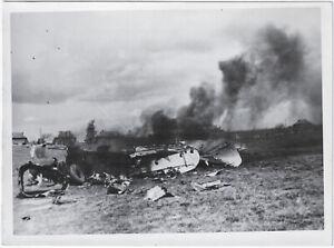 Abgeschossenes-Flugzeug-Orig-Pressephoto-von-1942
