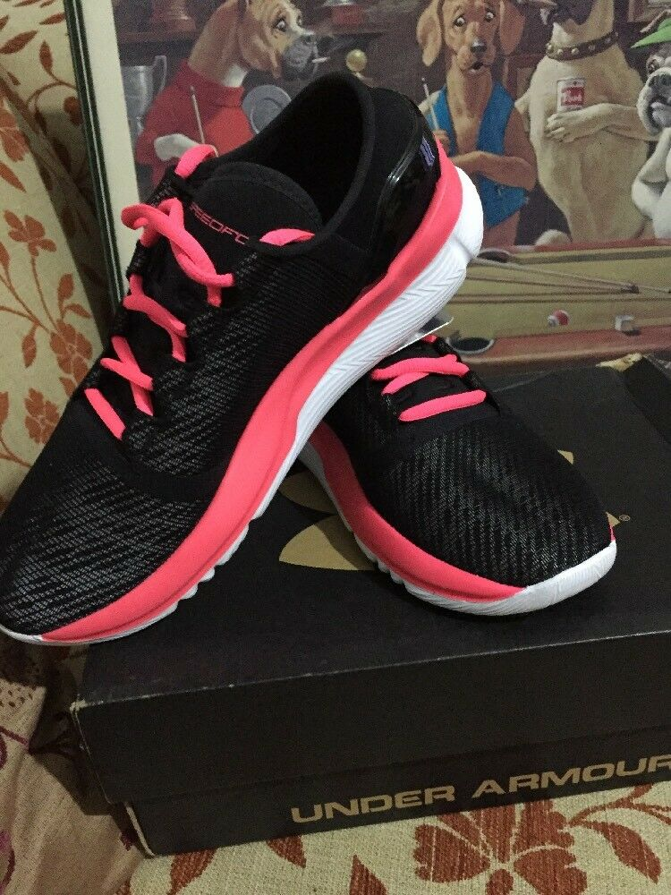 femmes  Under Armour, CHARGED - Taille 4.5 RRB. 119.99