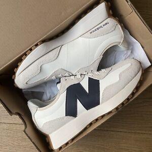 New Balance 327 in Moonbeam with Navy - UK 6.5 NEW