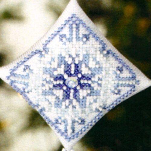 Snowflake Tiny Treasured Diamond Beaded Ornament Kit Mill Hill 2008