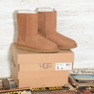 Ugg Australia Womens Classic Cardy boots London
