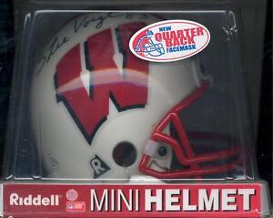 Stu-Voigt-Wisconsin-Badgers-Autographed-Mini-Helmet