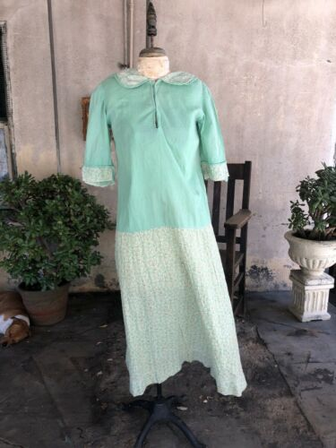 Antique 1920s Green Cotton Feed Sack Dress Leaf Pr