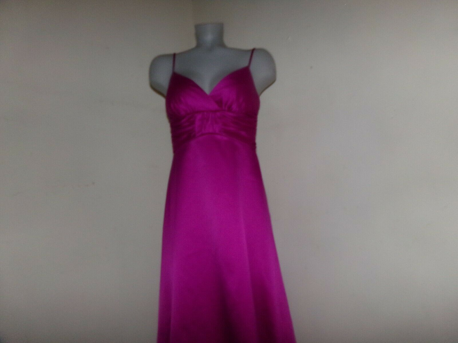 NWT , DONNA MORGAN Women's Raspberry Prom Party Bridesmaid Dress Size 6