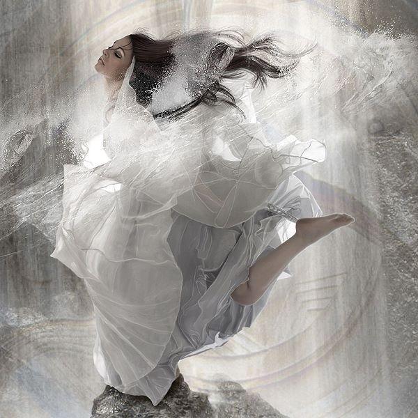 Babette  Element Water Keilrahmen-Bild Leinwand Frau Mädchen Wasser weiss