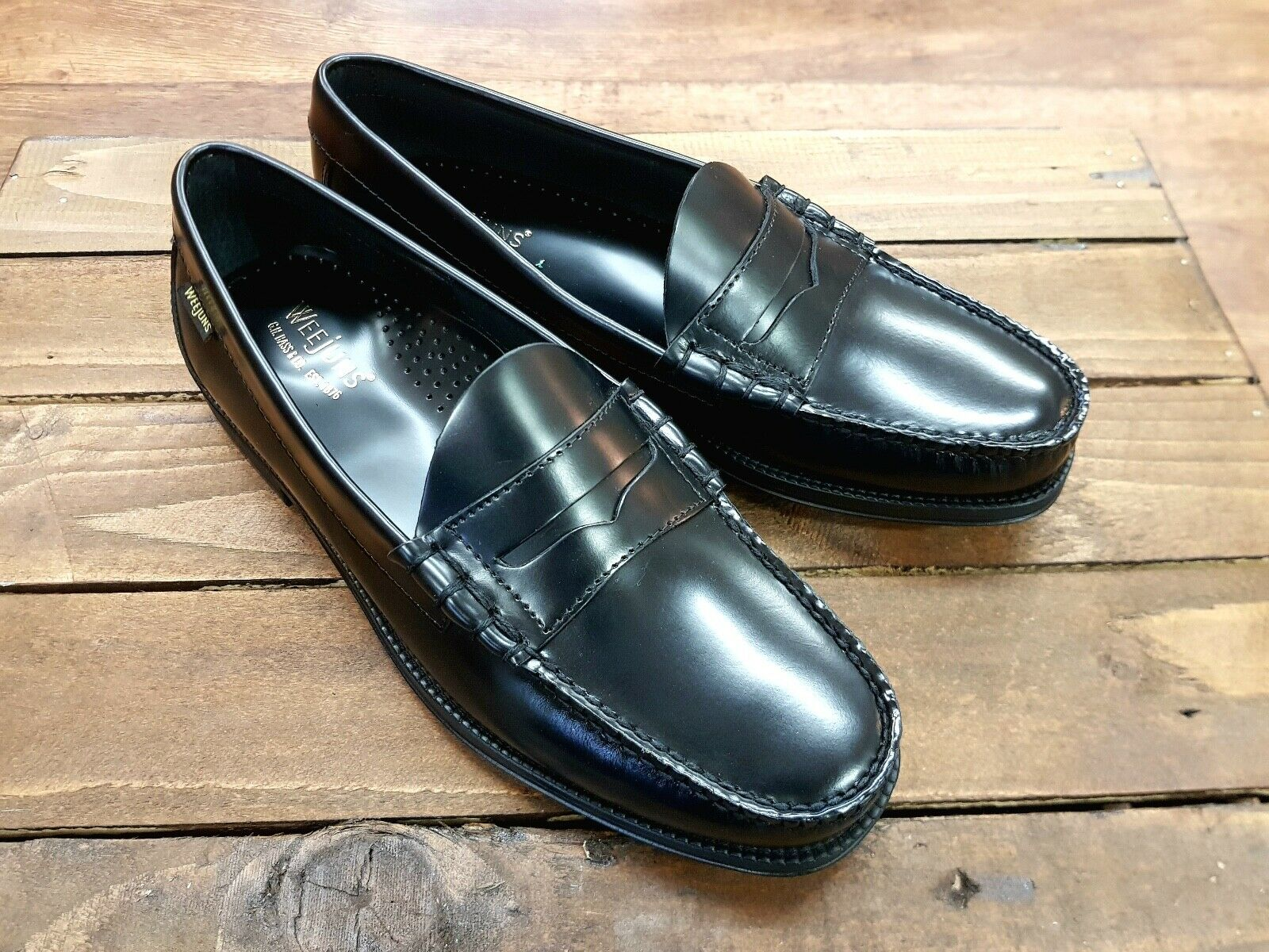 G H BASS & CO    Larson Moc Penny    Mens Black Penny Loafers shoes    NEW