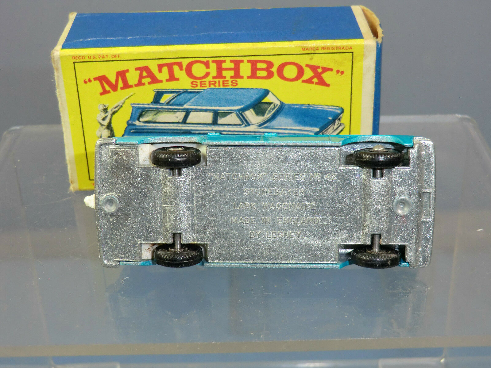 MATCHBOX  LESNEY MODEL No.42b STUDEBAKER LARK WAGONAIRE      VN MIB 2ef64d