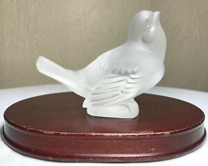 Authentic-c1929-Lalique-Frosted-Crystal-Winged-Bird-Sparrow-Signed-France-16606