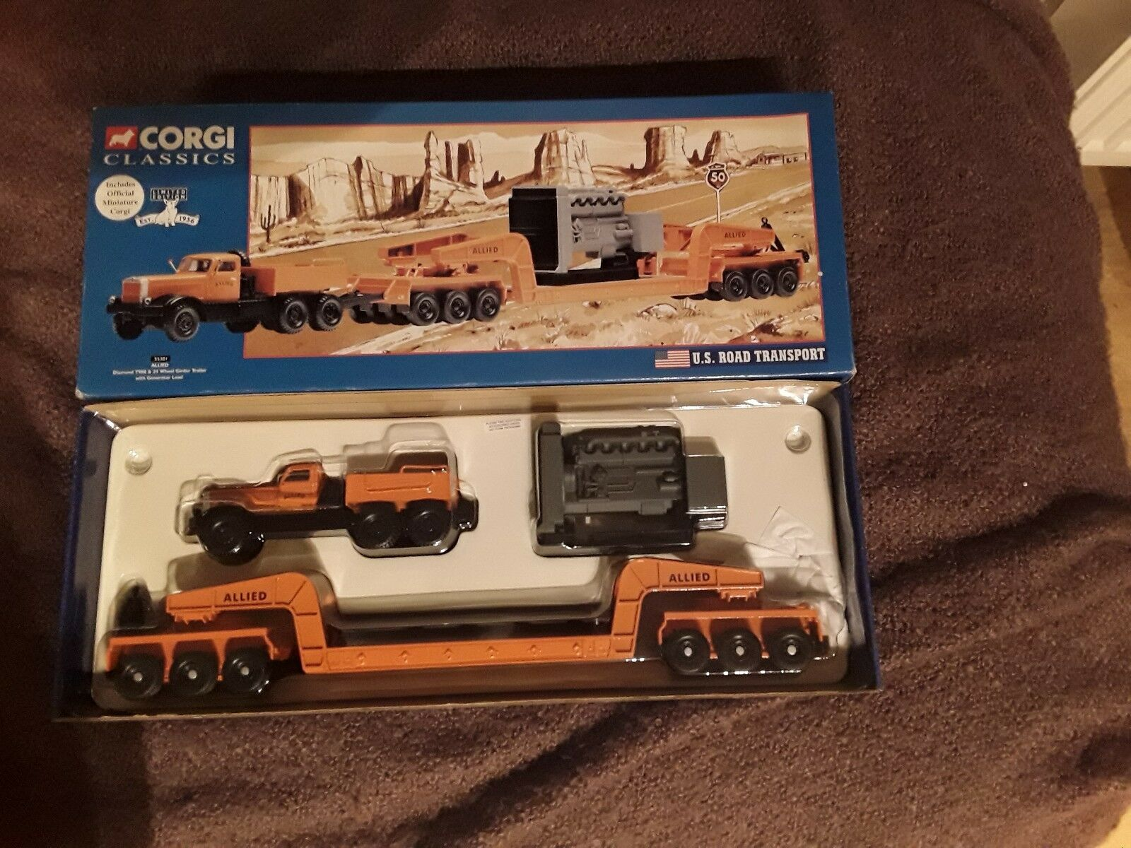 Corgi classics 55301 Allied Diamond T980 & 24 Wheel Girder Trailer