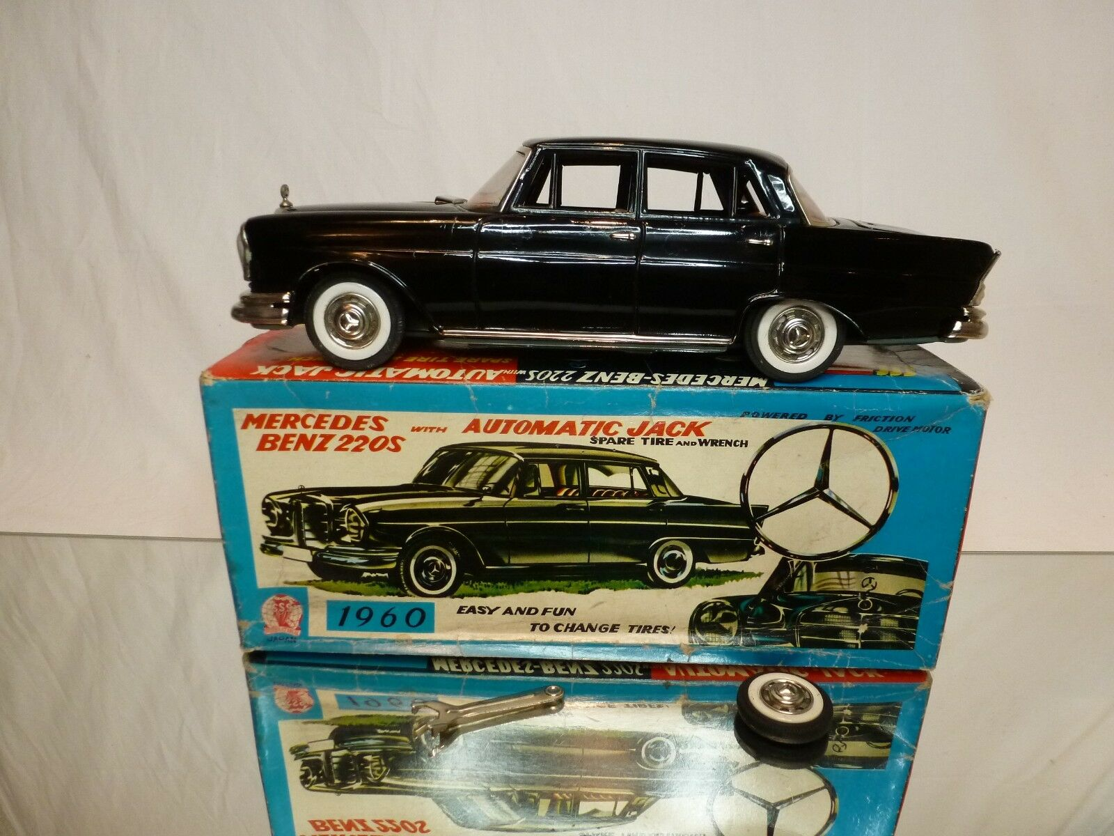 SSS QUALITY TOYS S1317 TIN TOY MERCEDES BENZ 220S - FRICTION - GOOD IN BOX -RARE