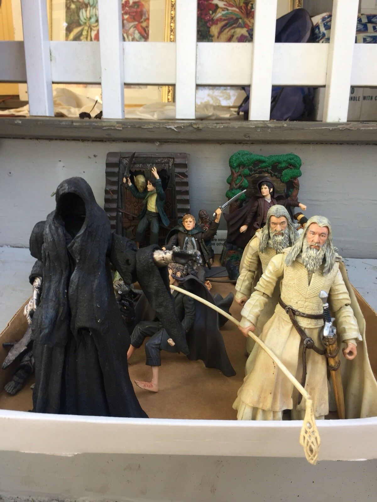 Lot of 10 2001 NLP Marvel Lord Of The Rings LOTR Action Figures & Accesories